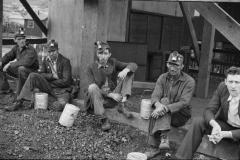 Ben-Shahn-Kentucky-coal-miners-Jenkins-Kentucky-1935