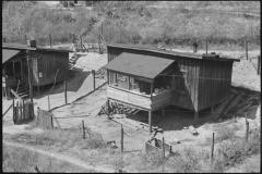 Ben-Shahn-Mining-shacks-Jenkins-Kentucky-1935